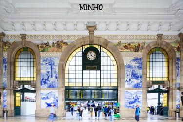 POR8947AW Portugal, Douro Litoral, Porto. The entrance of historic Sao Bento train station boasts a fantastic display of Azulejos.