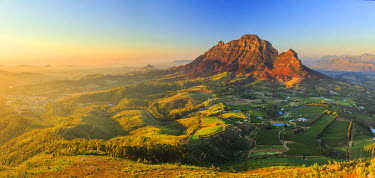 SA01179 South Africa, Western Cape, Stellenbosch, Aerial view of Simonsberg Mountain range and Stellenbosch Winelands