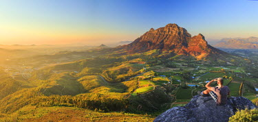 SA01181 South Africa, Western Cape, Stellenbosch, Aerial view of Simonsberg Mountain range and Stellenbosch Winelands (MR)
