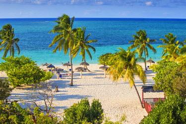 CB02507 Cuba, Holguin Province, Playa Esmeralda