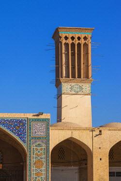 IR01173 Iran, Southeastern Iran, Kerman, End to End Bazaar, traditional badjir, wind tower