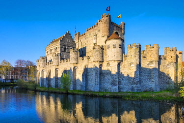 BEL1319AW Belgium, Flanders, Ghent (Gent). Gravensteen castle, 12th century medieval castle on the Leie River.