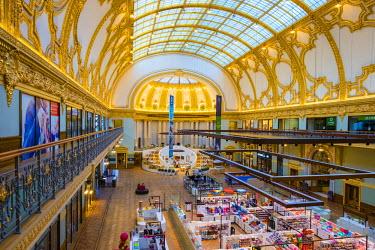 BEL1334AW Belgium, Flanders, Antwerpen. Stadsfeestzaal shopping mall in neoclassical building dating from 1908.