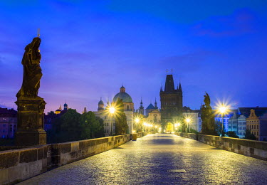 CZE1590AW Czech Republic, Prague, Stare Mesto (Old Town). Charles Bridge at dawn.