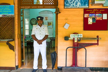 SL01093 Station Master, Ella train station, Southern Highlands, Sri Lanka