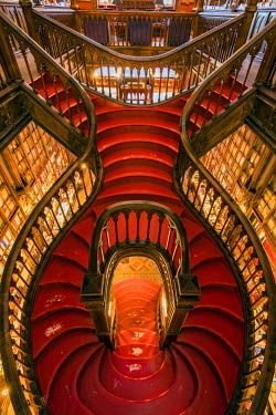 POR9010AW Livraria Lello & Irmao bookstore or Lello bookstore is one of the oldest in Portugal and is rated among the top bookstores in the world, Porto, Portugal