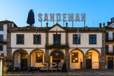 POR9013AW Sandeman Port Wine Warehouse, Porto, Portugal