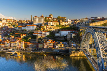 POR9015AW City skyline with Douro river and Dom Luis I bridge, Porto, Portugal
