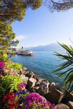 SWI7778 Europe, Switzerland, Vaud, Montreux, Lake Geneva (Lac Leman), cruise ship