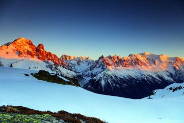 FRA9280 Europe, France, Haute Savoie, Rhone Alps, Chamonix, Aiguille Verte (4122m) and Les Drus, Mont Blanc (4810m)