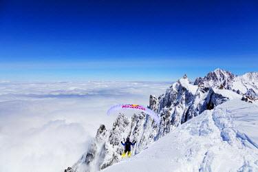 FRA9319 Europe, France, Haute Savoie, Rhone Alps, Chamonix, paraglider