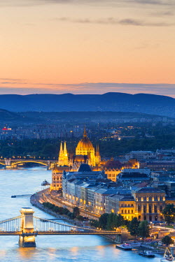 HUN1524AW Hungary, Central Hungary, Budapest. Evening view over Budapest and the Danube from Gellert Hill.