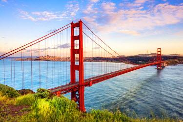 USA11225AW North America, USA, America, California, San Francisco, sunrise over the Golden Gate bridge