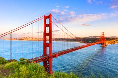 USA11226AW North America, USA, America, California, San Francisco, early morning view over the Golden Gate bridge