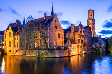 BEL1402AWRF View from the Rozenhoedkaai, Bruges, Belgium, Europe.