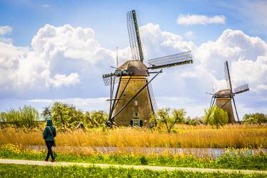NLD0314AW Kinderdijk, windmills in Holland, world heritage site.