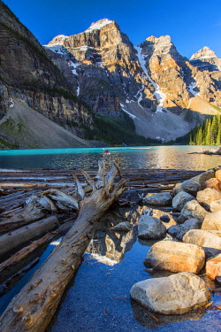 CAN2984AW Moraine Lake, Banff National Park, Alberta, Canada