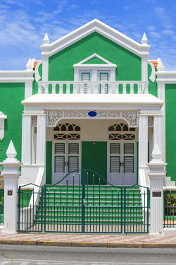 AA01086 Caribbean, Netherland Antilles, Aruba, Oranjestad, Former home of Dr Eloy Ahrends - now the present City Hall where weddings are performed.