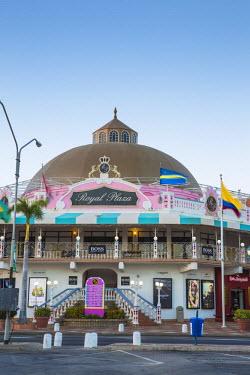 AA01104 Caribbean, Netherland Antilles, Aruba, Oranjestad, Royal Plaza Mall