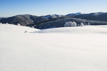 IBLDJS03026575 Winter landscape, Feldberg Mountain at the rear, Schauinsland, Baden-Wurttemberg, Germany