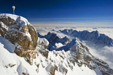 IBLDJS03147916 Summit cross of Zugspitze Mountain, Zugspitze, Wetterstein mountain range, Eastern Alps, Upper Bavaria, Bavaria, Germany