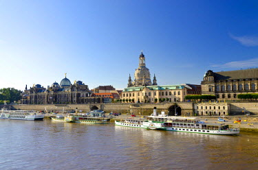 IBLFBD02034140 Bruehl's Terrace and Frauenkirche church, seen across the river Elbe, Dresden, Saxony, Germany