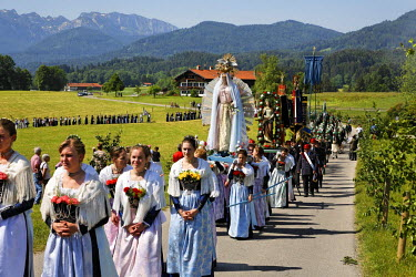 IBLMSI00107734 Feast of Corpus Christi procession Wackersberg Upper Bavaria Germany