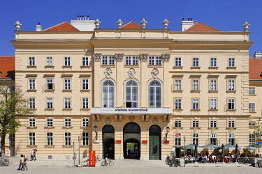IBLHAN00598500 Museum quarter, Vienna, Austria