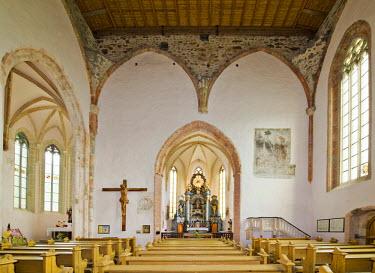 IBLHAN01847586 View of the high altar, Church of St. Wolfgang, Kirchberg, Bucklige Welt, Lower Austria, Austria
