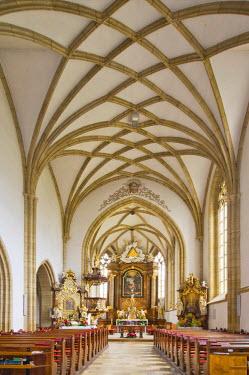 IBLHAN01847611 Gothic nave, triumphal arch, Church of St. John the Baptist, Bucklige Welt region, Lower Austria, Austria