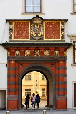 IBLMAN00991551 Schweizertor, Alte Hofburg, Vienna, Austria