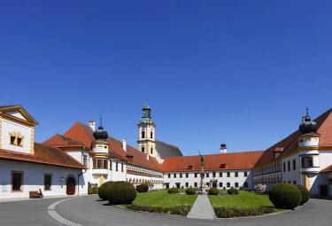IBLMAN01164620 Augustinian chapter of canons monastery, Reichersberg, Innviertel, Upper Austria, Austria