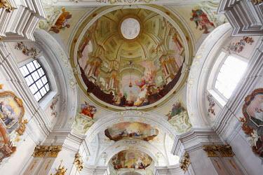 IBLMAN01681112 Ceiling frescoes, Maria Langegg pilgrimage church, Dunkelsteinerwald, Wachau, Mostviertel region, Lower Austria, Austria