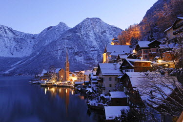 IBLMAN02206208 Hallstatt, Lake Hallstatt, Salzkammergut, Upper Austria, Austria