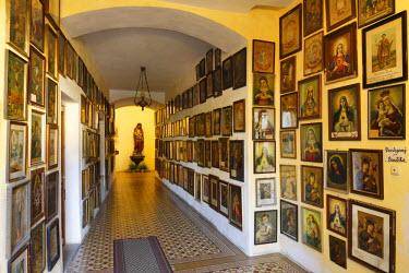 IBLMAN02402742 Marian images, votive paintings, pilgrimage church of Maria Puchheim in Puchheim, Attnang-Puchheim, Hausruckviertel area, Upper Austria, Austria