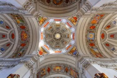 IBLMAN03100526 Interior, dome, Salzburg Cathedral, dedicated to Saint Rupert and Saint Vergilius, historic center, Salzburg, Salzburg State, Austria