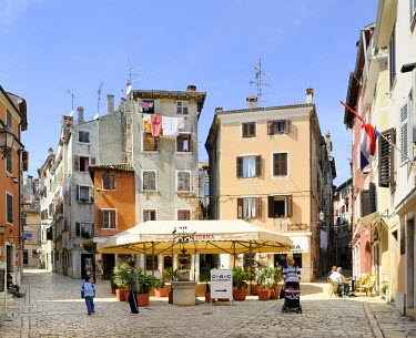 IBLHAN01399626 Square in the historic town centre of Rovinj, Croatia