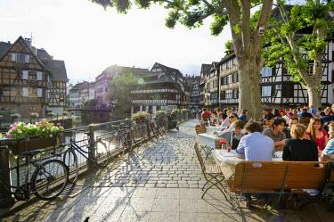 IBLDJS02339136 Restaurant, Petite France, Strasbourg, Alsace, France