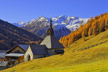 IBLCGH00125843 Gotic church St.Nikolaus, mountain village Rojen (2000m), South Tyrol, Italy