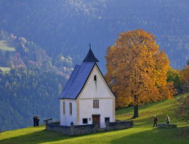 IBLHAN02217474 St. Katharina chapel near the Moar zu Viersch farm, Klausen, South Tyrol, Italy