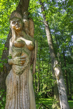 IBLHAN03806579 Wooden figure, Mazurski Eden or Masurian Garden of Eden, reconstruction of Galindian culture, Gmina Ruciane-Nida, Warmian-Masurian Voivodeship, Poland