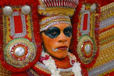 IBLOMK01939750 Dancer, Theyyam, ritual dance, Varkala, Kerala, South India, India