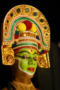 IBLOMK02059280 Thullal dancer, Kottayam, Kerala, South India, India