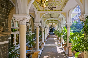 IBLOMK01929691 Arcade, garden, Taj Mahal Hotel, Colaba district, Mumbai, Maharashtra, India