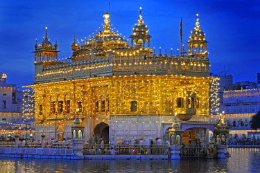 Illuminated golden temple in Arit Sagar, Amritsar, Punjab, North India