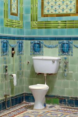 IBLOMK01939767 Bathroom tiled with Belgian tiles, Heritage Hotel Raj Niwas Palace, Dholpur, Rajasthan, North India, India