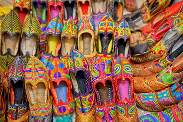 IBLOMK03602972 Colourful embroidered traditional shoes at the market, Jodhpur, Rajasthan, India