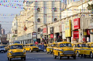 IBLOMK01867482 Taxis outside the Oberoi Grand Hotel, Jawaharlal Nehru Road, Calcutta, Kolkata, West Bengal, India