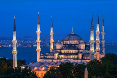 IBLGAB02346566 Sultan Ahmed Mosque or Blue Mosque at twilight, Istanbul, Turkey