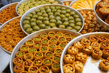 IBLMAN03000581 Baklava and other Turkish sweets in the shop window of Hafiz Mustafa, Istanbul, Turkey, Istanbul, Istanbul Province, Turkey